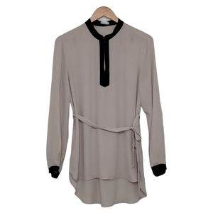 ONE CLOTHING Top Blouse Long Sleeve Hi Low